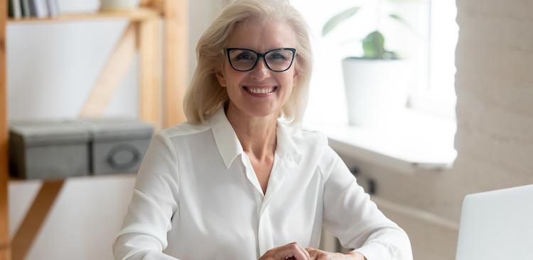 5 Best Older Worker Resume Writing Services